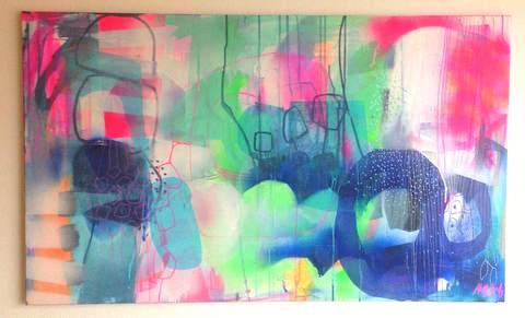 Se når kunstner mettelindberg maler et maleri