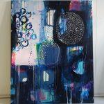 Moderne maleri i blå nuancer.