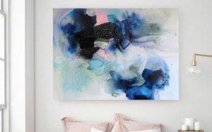 Maleri over en sofa